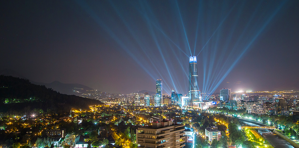 clay_paky_illuminates_300_metre_chilean_skyscraper_with_festive_light_show